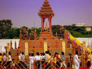 День рождения, просветления и ухода в Нирвану Будды (Весак)